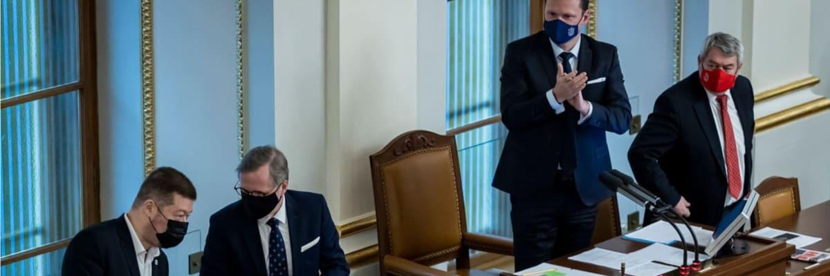 Tvrdý boj o šéfa Sněmovny. Kdo může hrát po volbách zásadní roli při výběru premiéra?
