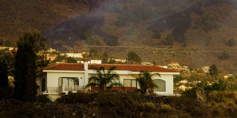 Sopka na španělském ostrově La Palma stále chrlí lávu,