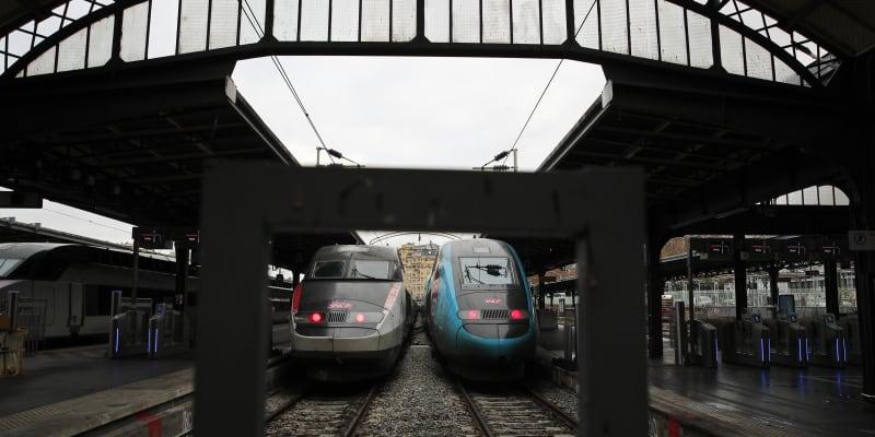 Rychlovlaky na pařížském nádraží