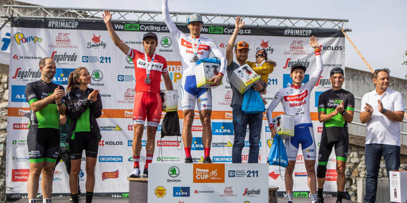 Trasu na 33 kilometrů zvládl nejrychleji Jiří Holec (Cyklo klub Bendl Vysoké Mýto) a Adéla Lhotáková (Bike Freaks Holice).