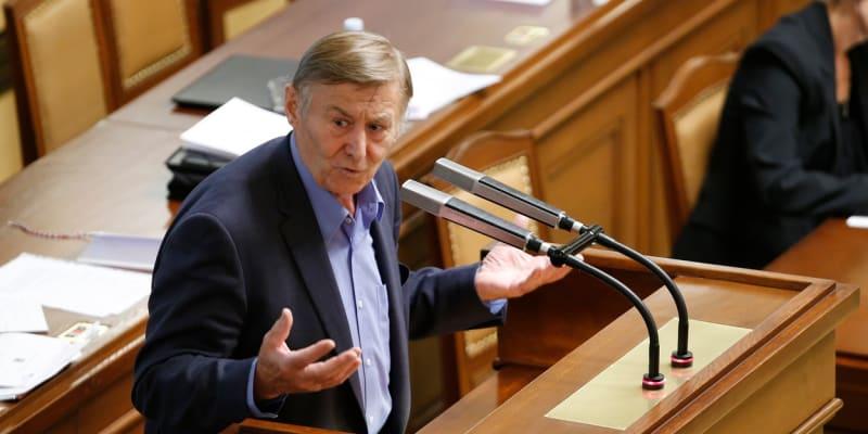 Miroslav Grebeníček (KSČM) seděl ve Sněmovně od roku 1996.