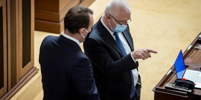 Šéf poslanců ANO Jaroslav Faltýnek a šéf poslaneckého klubu SPD Radim Fiala