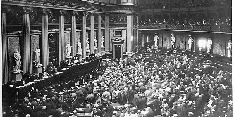 První svobodné volby si Češi a další národy Rakousko-Uherska vybojovali v roce 1907. Na snímku zasedání parlamentu v roce 1907