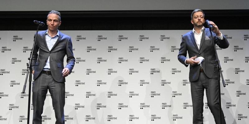 Ivan Bartoš a Vít Rakušan na povolební tiskové konferenci