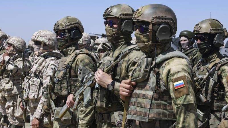 Rusko pozastaví práci zastoupení u NATO. Nelíbí se mu vyloučení pracovníků z mise