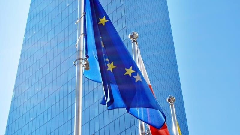 Evropská komise chystá kroky proti Polsku. Je to nespravedlivé, ohradila se Varšava
