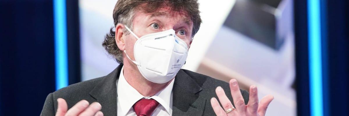 Pandemie se vymkla kontrole, říká Kubek. Očekává, že očkování bude jednou povinné